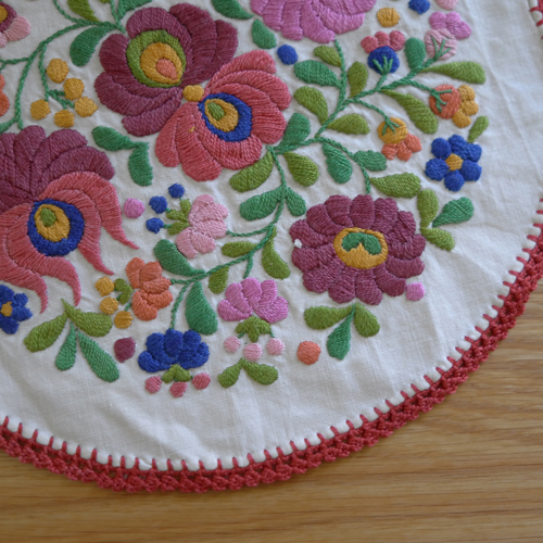 textile-embroidery A673